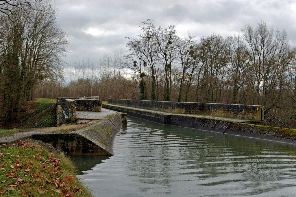 Le paysage du canal de la Sauldre